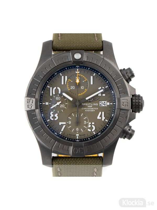Begagnad Breitling Avenger 45 Titanium Chronograph V13317