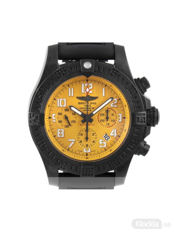 Begagnad Breitling Avenger Breitlight 45 Chronograph XBO180