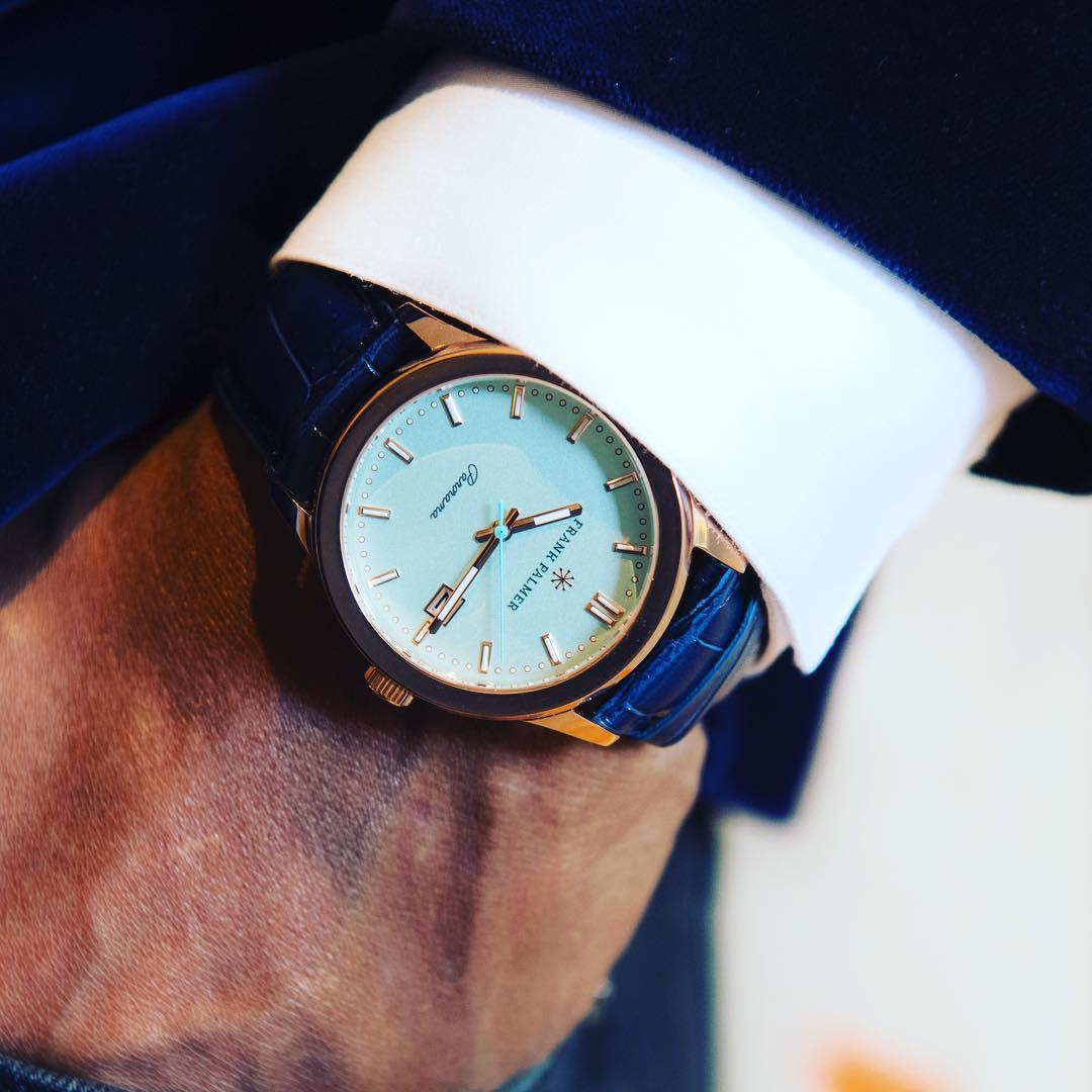 klocka på handled frank palmer white 2
